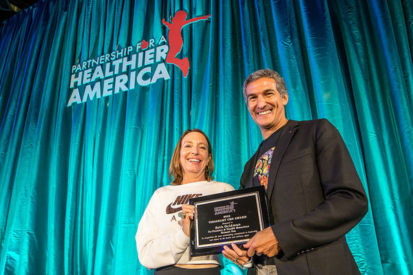 Seth Goldman, Co-Founder & TeaEO Emeritus of Honest Tea® and Executive Chair of Beyond Meat, was awarded PHA's 2018 Visionary CEO Award at the 2018 Fit to Celebrate Gala, for innovating for good.