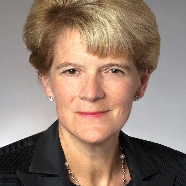 Portrait of PHA Board Member Deborah DeHass.